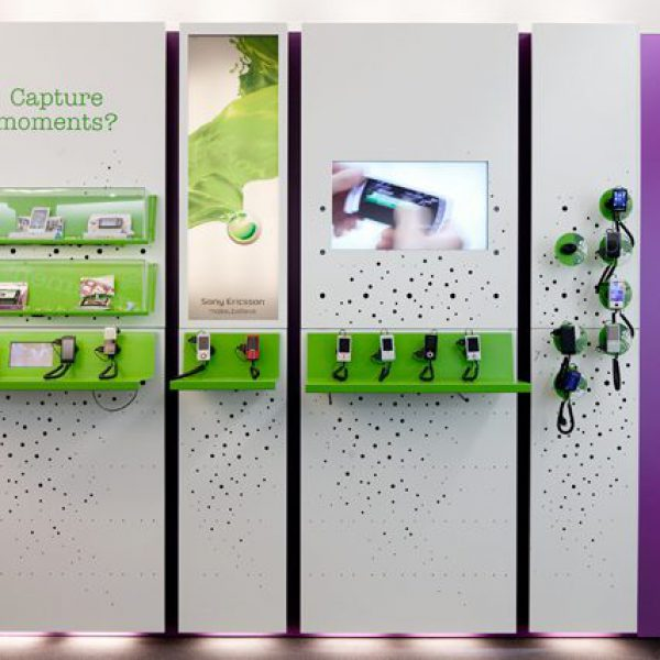 1SonyEricsson_furniture_wallfront_0201